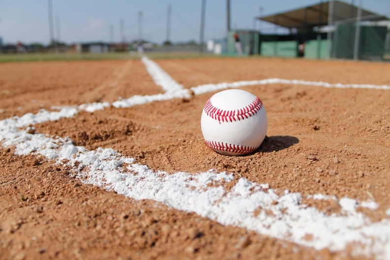 baseball-field-1563858_1920_ball and lines